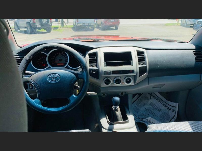 Toyota Tacoma 2006 price $8,995