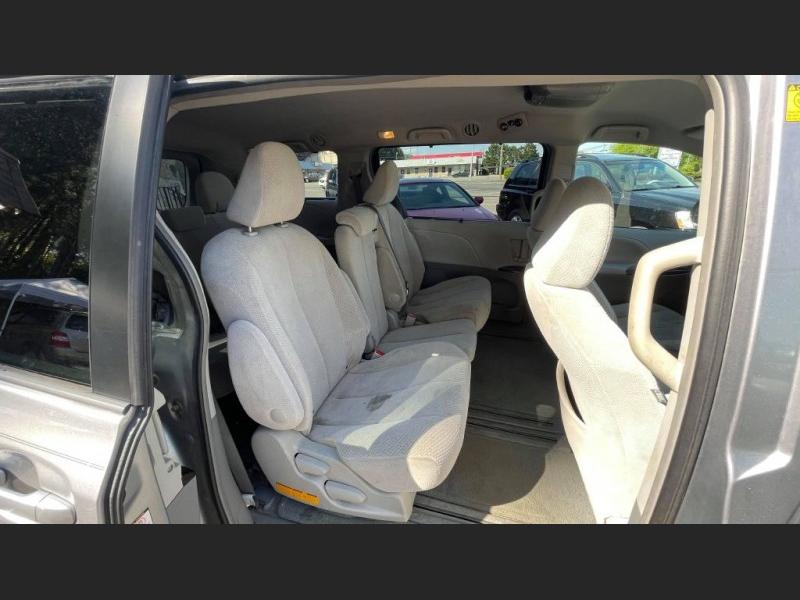 Toyota Sienna 2012 price $9,995