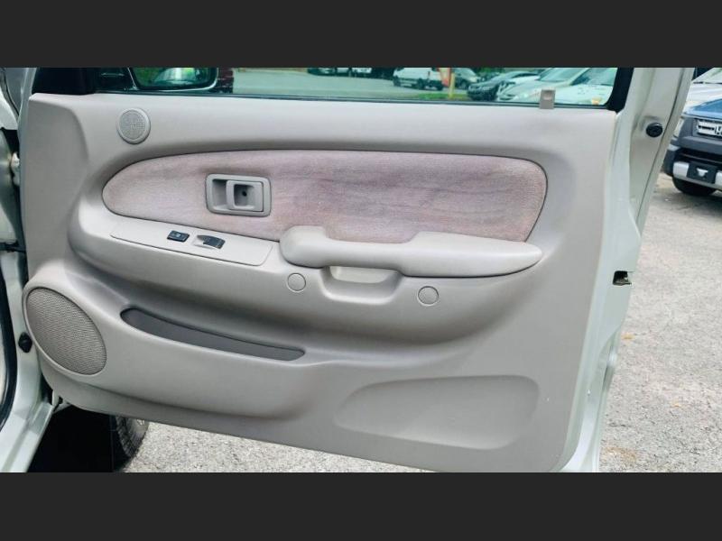 Toyota Tacoma 2004 price $13,995