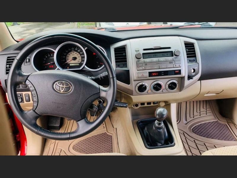 Toyota Tacoma 2009 price $14,995