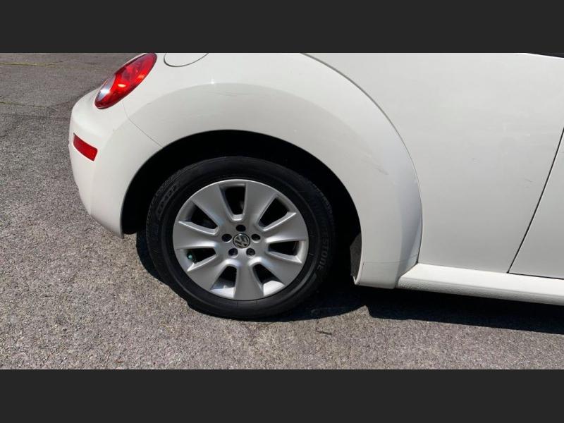 Volkswagen New Beetle Coupe 2009 price $4,995