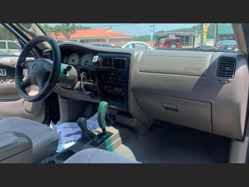 Toyota Tacoma 2002 price $11,995