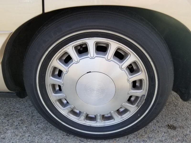 Cadillac Deville 1998 price $4,800