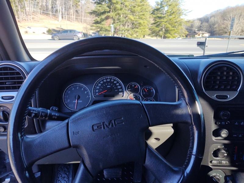 GMC Envoy XL 2004 price $3,499
