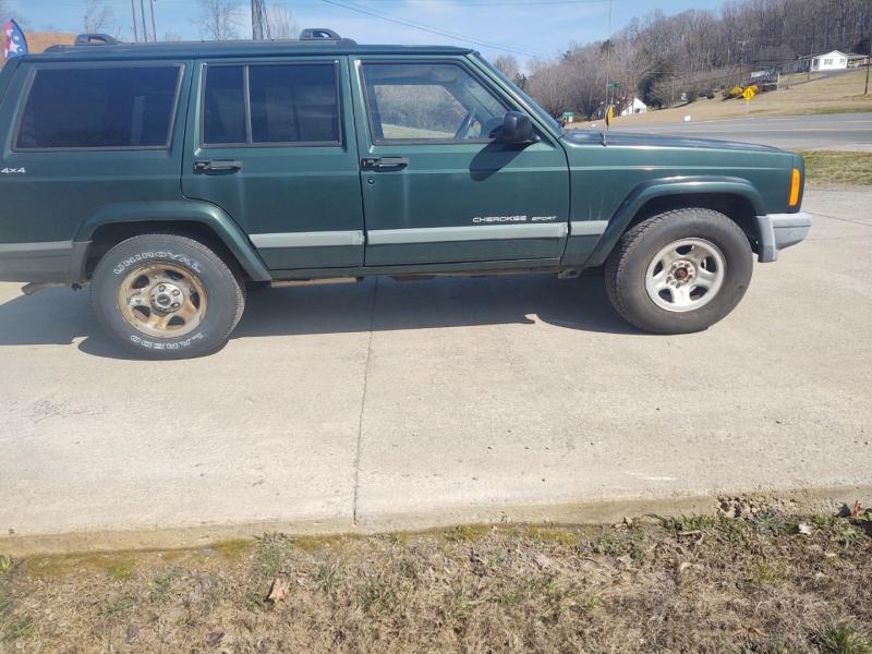 Jeep Cherokee 1999 price $3,900