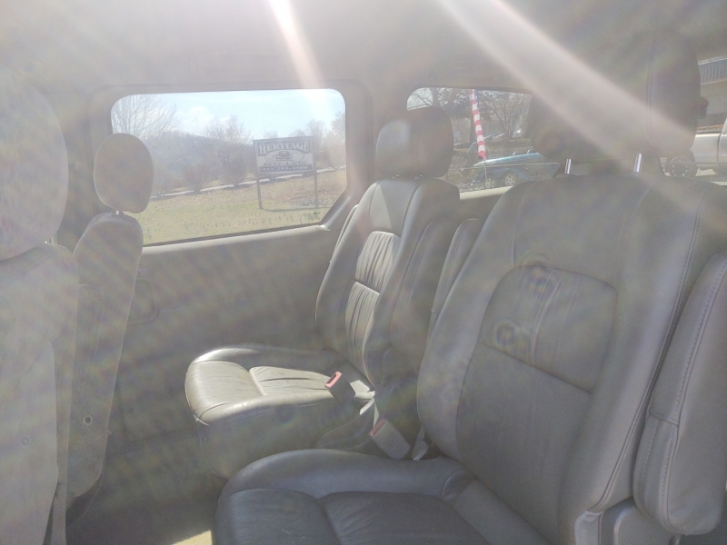 Kia Sedona 2004 price $2,500