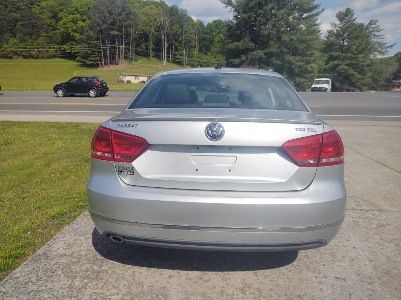 Volkswagen Passat 2012 price $10,400
