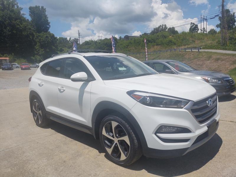 Hyundai Tucson 2017 price $22,900