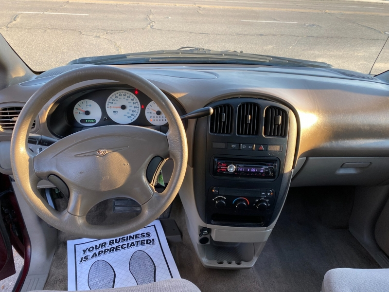 Chrysler Voyager 2003 price $4,499