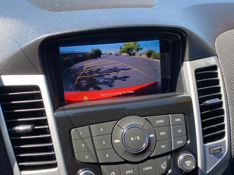 Chevrolet Cruze 2015 price $8,499