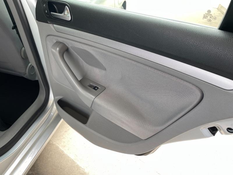 Volkswagen Jetta Sedan 2009 price $6,000 Cash