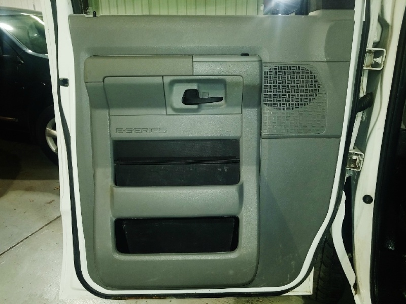 Ford Econoline Cargo Van 2013 price $9,650