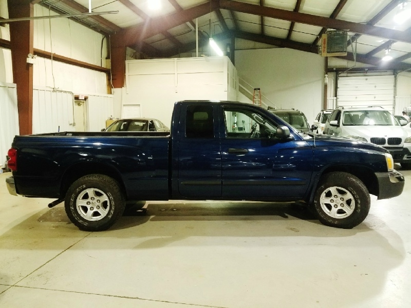 Dodge Dakota 2005 price $7,300