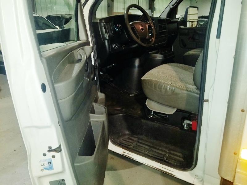 GMC Savana Commercial Cutaway 2012 price $13,450