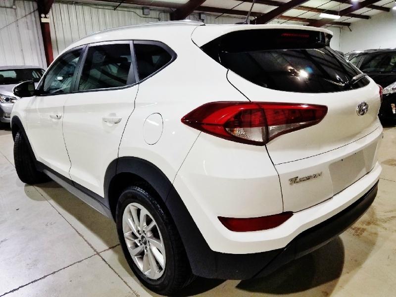 Hyundai Tucson 2017 price $14,250