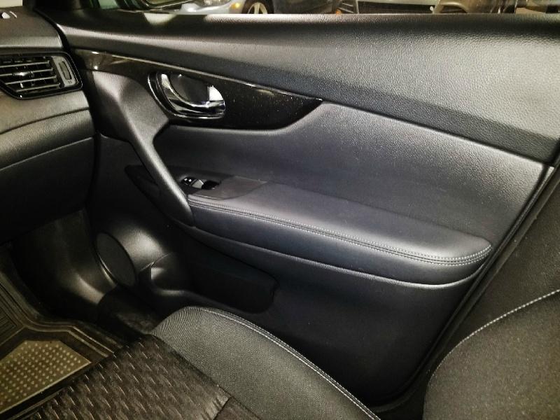 Nissan Rogue 2018 price $15,450