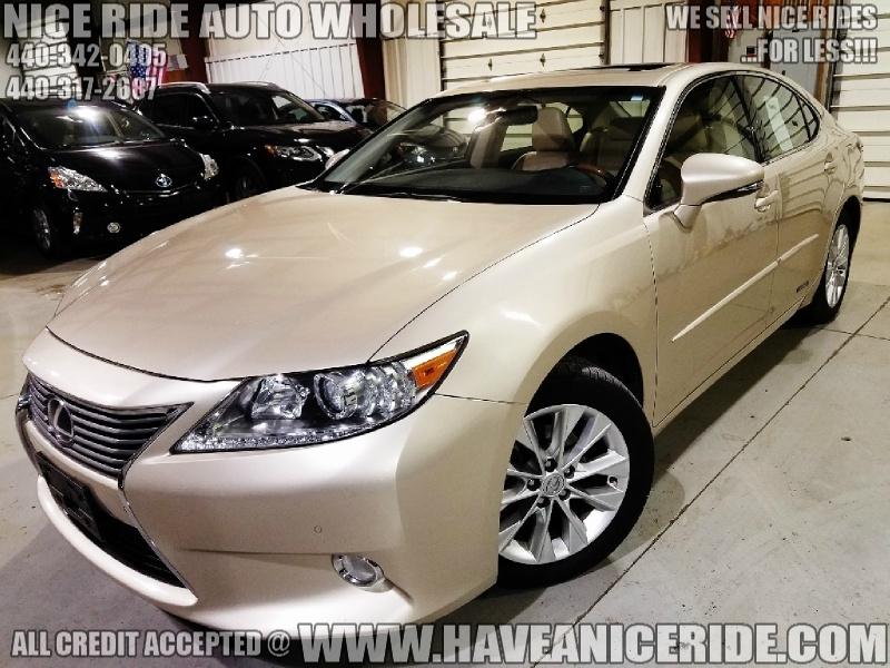 Lexus ES 300h 2013 price $13,750