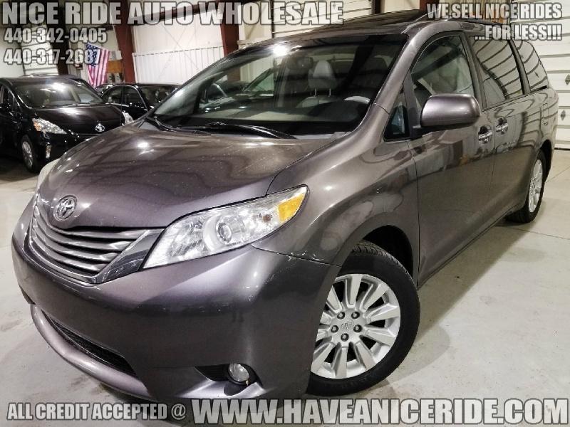Toyota Sienna 2013 price $14,450