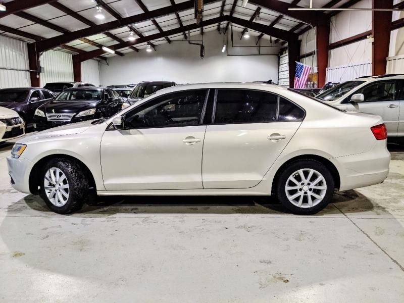 Volkswagen Jetta 2011 price $5,950