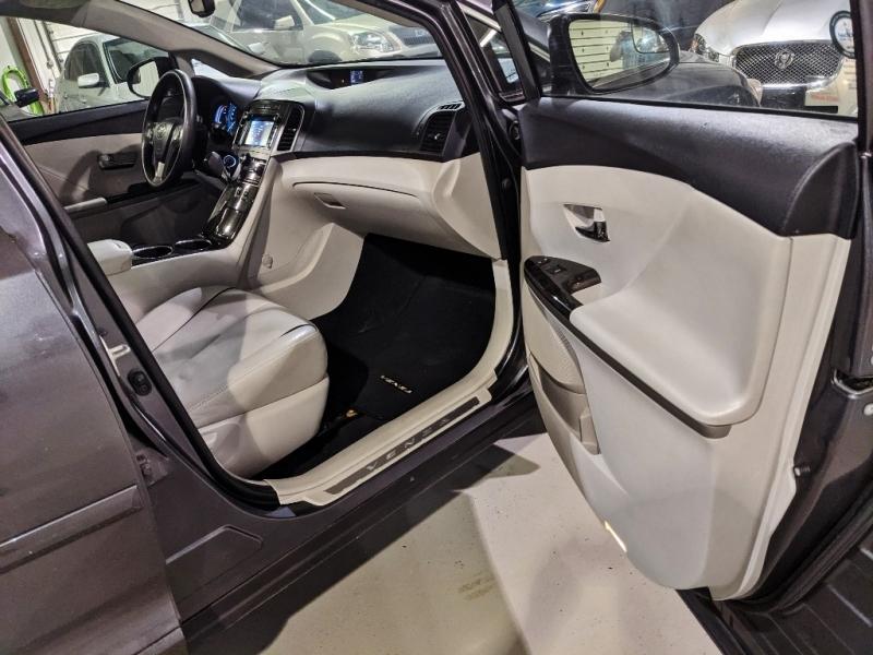 Toyota Venza 2014 price $16,950
