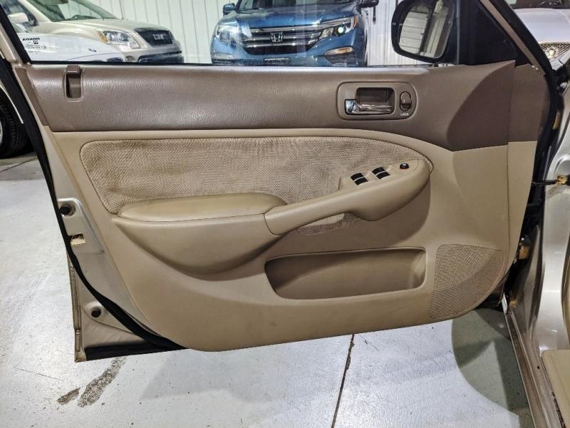 Honda Civic 2002 price $4,250