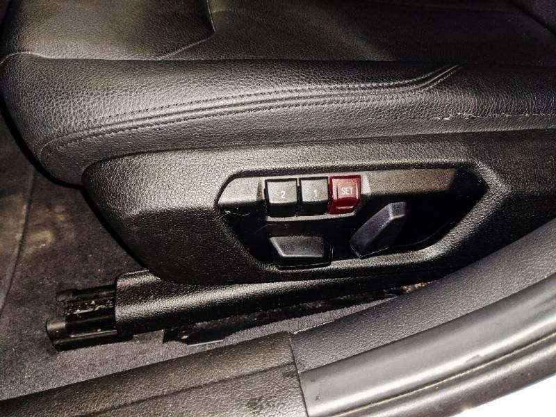BMW 3-Series 2015 price $16,950