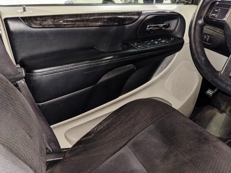 Dodge Grand Caravan 2015 price $10,950