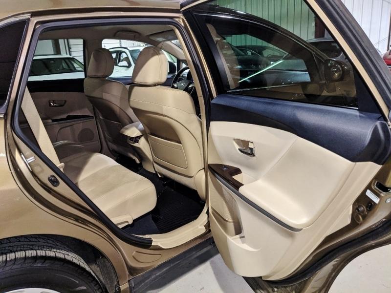 Toyota Venza 2010 price $10,450