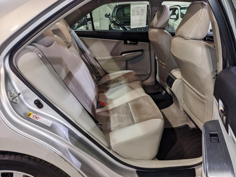 Toyota Camry Hybrid 2012 price $9,850