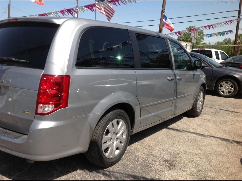 Dodge Grand Caravan 2015 price $11,999