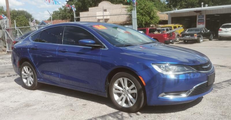 Chrysler 200-Series 2016 price $15,999