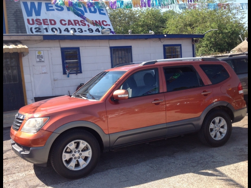 Kia Borrego 2009 price $8,999
