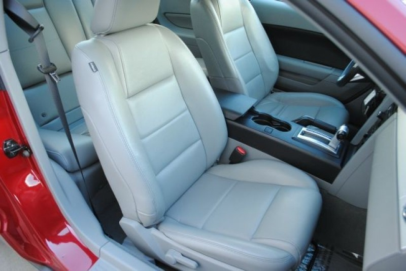 Ford Mustang 2009 price $9,995