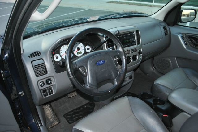 Ford Escape 2003 price $3,995