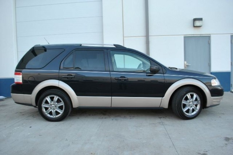 Ford Taurus X 2008 price $4,999