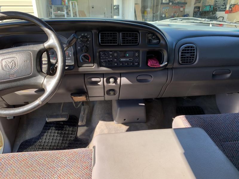 Dodge Ram 2500 2002 price $6,995