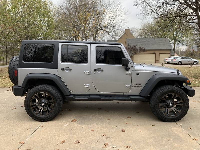 Jeep Wrangler Unlimited 2014 price $21,998