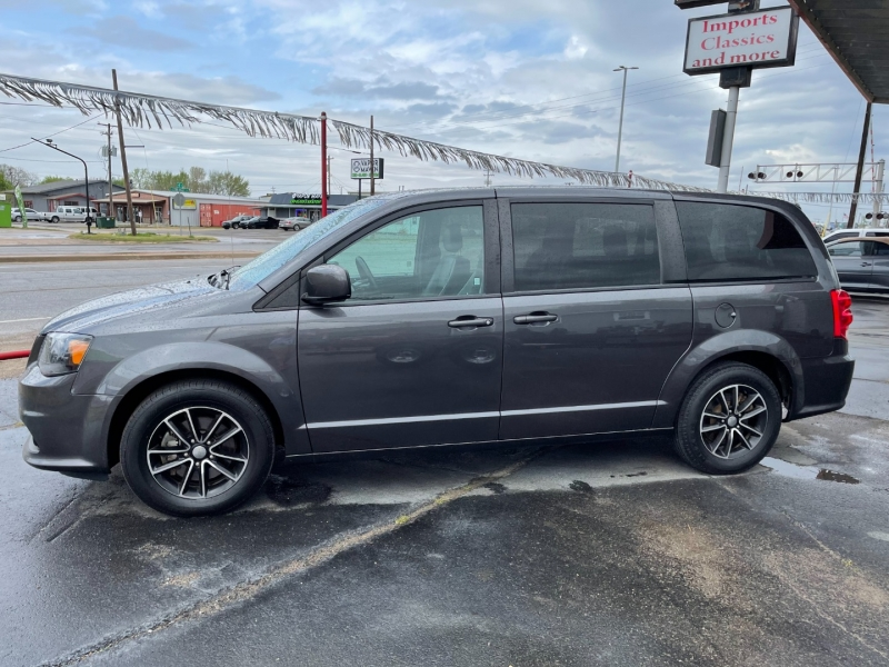 Dodge Grand Caravan 2018 price $12,475