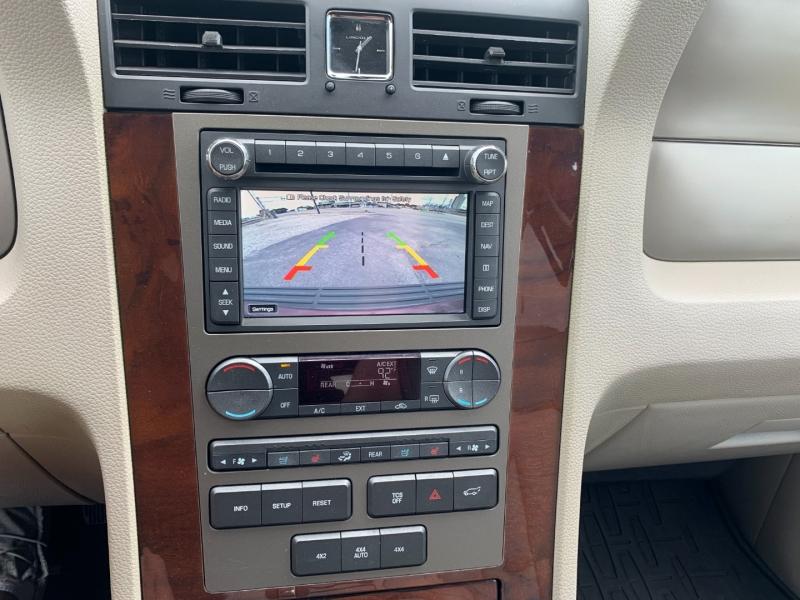 Lincoln Navigator 2014 price $13,995