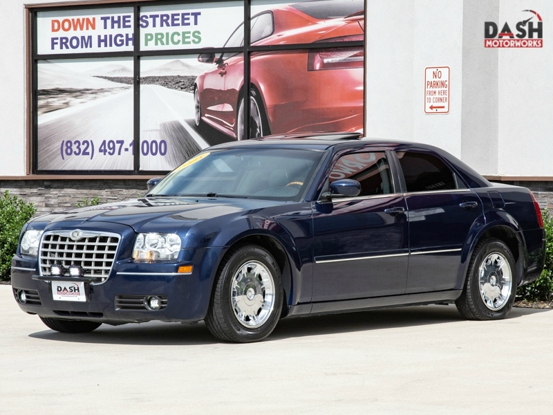 Chrysler 300 Limited V6 Leather Sunroof Camera Auto 2005 price $5,995