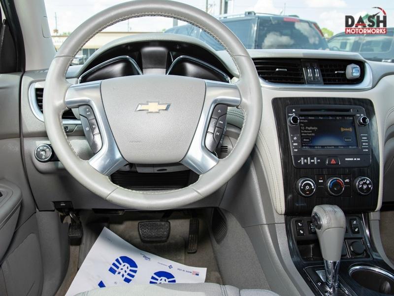 Chevrolet Traverse LT Camera 20-in Wheels 7-Pass 2015 price $12,995