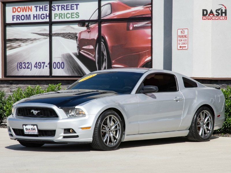 Ford Mustang V6 Performance Coupe 2013 price $12,995