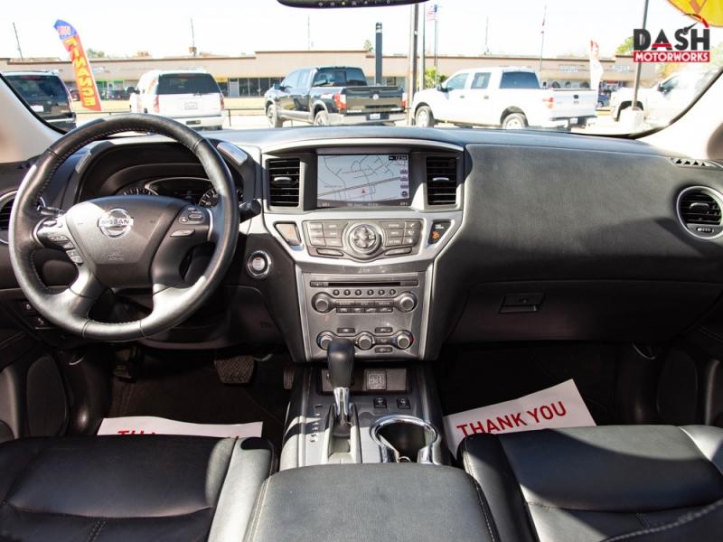 Nissan Pathfinder SL Navigation Camera Leather 7-Pass 2019 price $21,995
