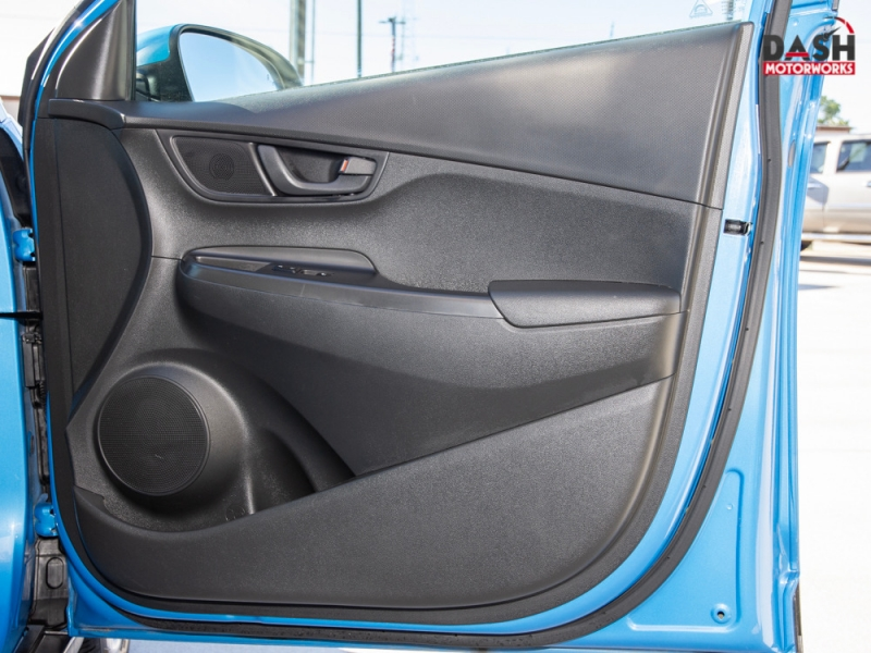 Hyundai Kona SEL Camera Spoiler Auto 2018 price $15,995