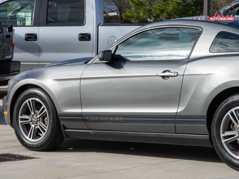 Ford Mustang Premium V6 Leather Shaker Spoiler Auto 2010 price $10,985