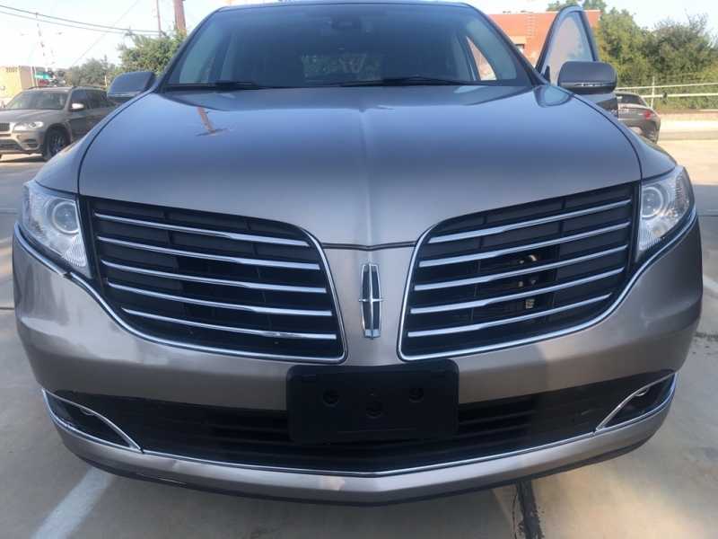 LINCOLN MKT 2018 price $27,977