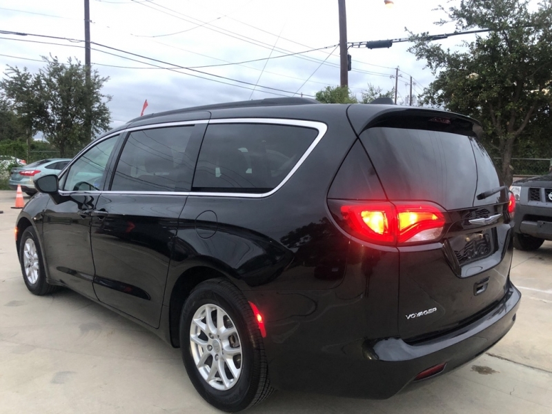 CHRYSLER VOYAGER 2020 price $21,316