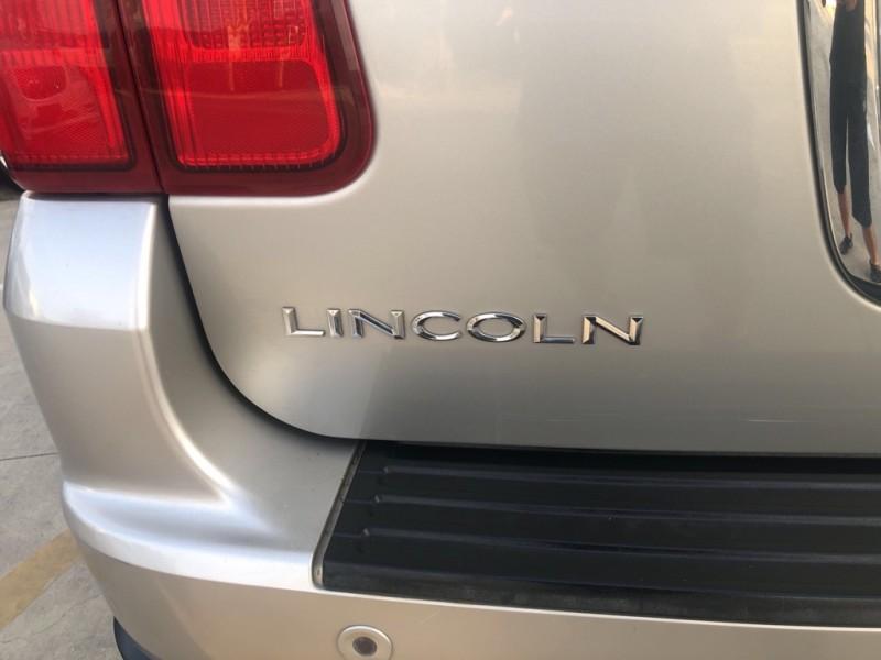 LINCOLN NAVIGATOR 2006 price $6,988