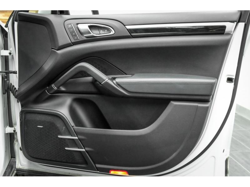 Porsche Cayenne 2013 price $21,991