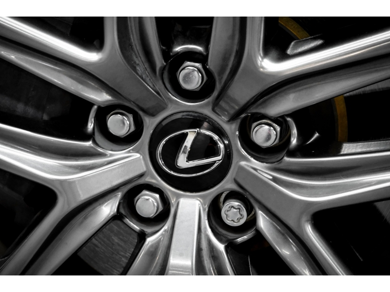 Lexus IS 350 2016 price $25,492